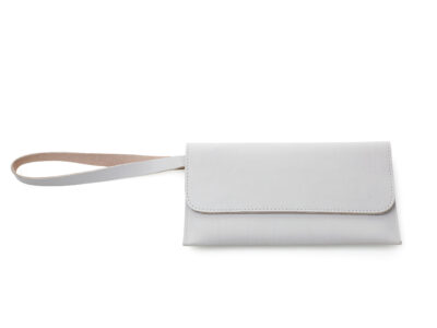 nasire travel pouch in light grey smooth leather