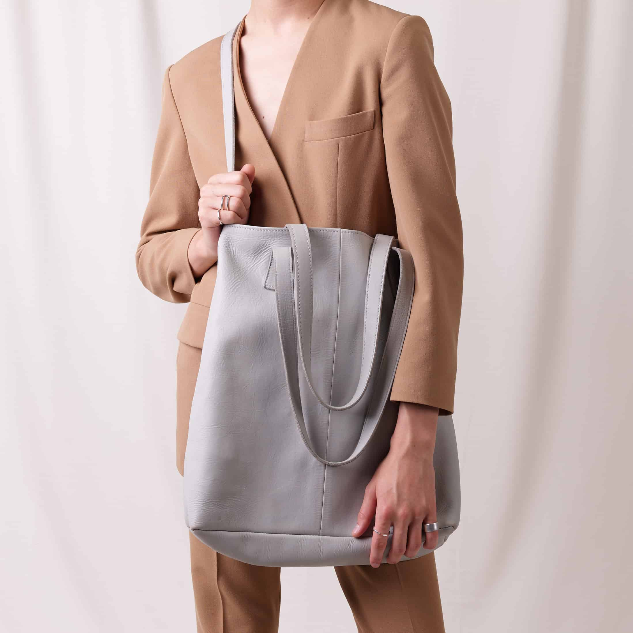 shopper-bag-nasire-light-grey-smooth-leather